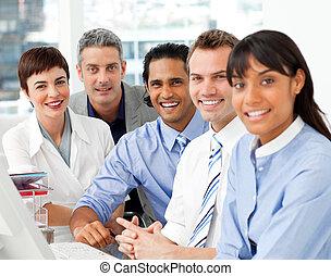 verticaal, werken, multi-etnisch, handel team