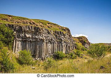 Vertical basalt wall