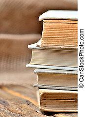 vertical, bois, photo, librairie, -, pile, rustique, livres, vendange, table, vieux, antiquarian