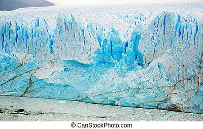 Rugged glacier cracked edge Perito Moreno (Glaciar Perito Moreno) on sunny summer day. Patagonia, Argentina, Andes