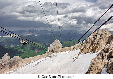 vertical, funiculaire, contre, rocher, marmolada, pic, roues, câbles