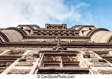 Vertical suspender of Tower bridge in London, England