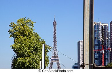 verticality of steel Paris France