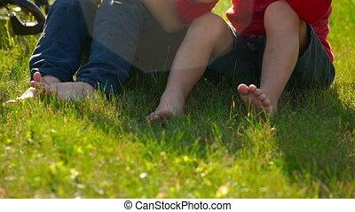 vertragen, concept., vriendschap, weinig; niet zo(veel), ...