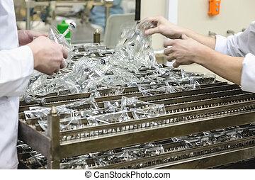vervaardiging, farmaceutische industrie, fabriekshal, sorts, werkmannen