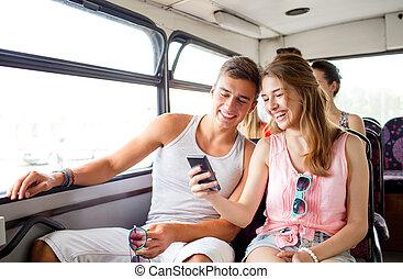 vervaardiging, selfie, smartphone, paar, het glimlachen