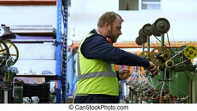 vervaardiging, werkende , industrie werker, 4k, koord