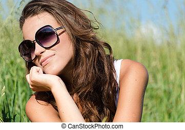 vervelend, zon, vrouw, jonge, bril