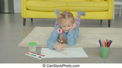 verven, weinig; niet zo(veel), schilderij, meisje, penseel