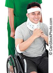 verwond, helpen, wheelchair, jonge, verpleegkundige, man
