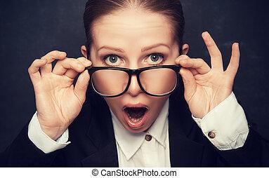 verwonderd, gekke , leraar, in, bril, kreten