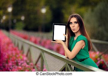 verwonderd, vrouw, het tonen, een, tablet