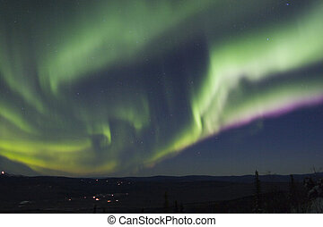Very fast moving arc of aurora