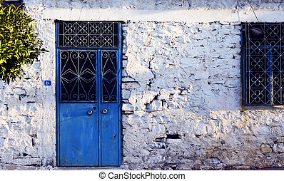Very old Turkish village house - Very old whitewashed...