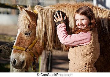verzorgen, paarde, het glimlachen, haar, tiener