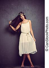 vestido, branca, mulher, descalço, jovem