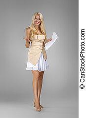 vestido, documentos, bonito, loura, segurando, folhas, mulher