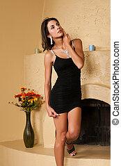 vestido negro, poco