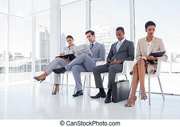 vestido, pessoas negócio, sentado, para