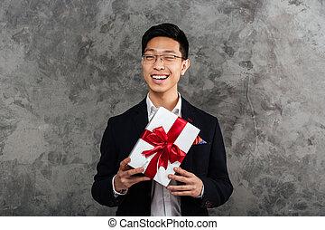 vestito, giovane, asiatico, completo, ritratto, felice, uomo