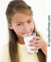 vetro, bere, giovane ragazza, latte