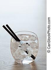vetro, di, freddo, acqua dolce, con, ghiaccio