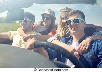 vezetés, kabrió, autó, szabadban, barátok, boldog