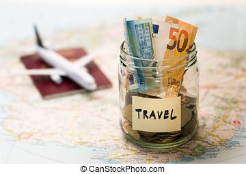 viagem, orçamento, conceito, dinheiro, poupança, em, um, frasco vidro, ligado, um, mapa