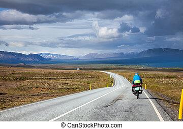 viajando, ciclista, em, islândia