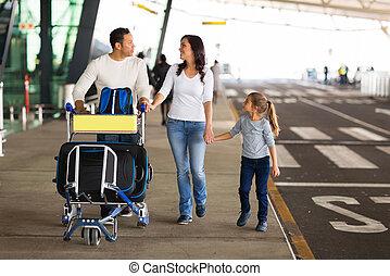 viajar, familia , con, maletas, en, aeropuerto