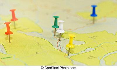 viaje, planificación, concepto, -, mapa, con, pushpins