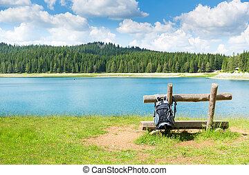 viajero, mochila, vista, lago, infront