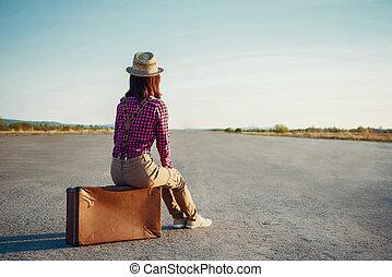 viajero, niña, se sienta, maleta