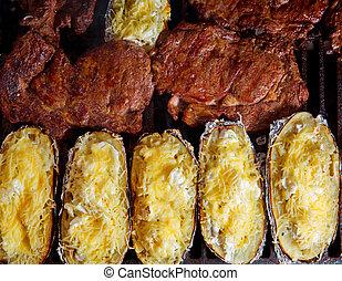 viande, boeuf, pommes terre, préparé, grillé, barbecue