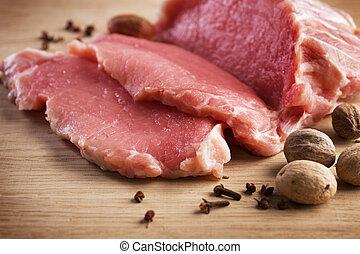 viande crue, biftecks, et, épices