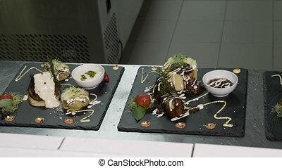 viande, menu restaurant, légumes, sophistiqué, closeup, former, plaques, cuisine