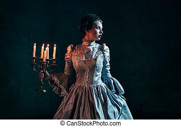 victoriaanse vrouw, jurkje
