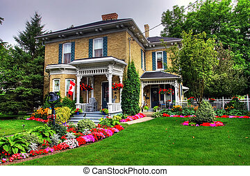 Victorian cottage - Victorian style cottage and garden in...