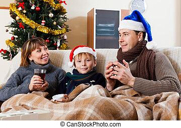 vidám család, közül, három, alatt, christmas idő