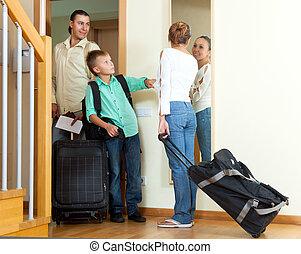 vidám család, közül, három, noha, tizenéves, noha, poggyász, kilépő, a, hé!