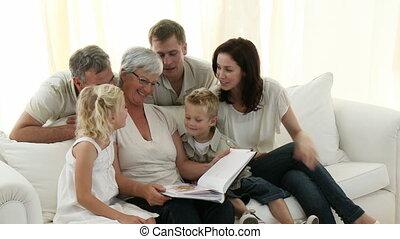 vidám család, megünnepel, fénykép album