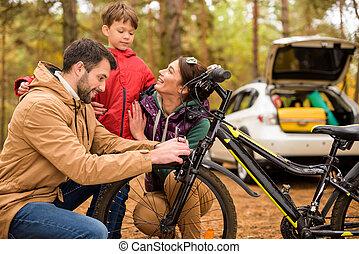 vidám család, noha, bicikli