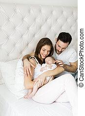 vidám család, noha, newborn csecsemő