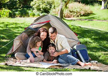 vidám, család sátortábor