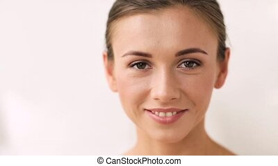 vidám mosolyog, nő, fiatal, arc