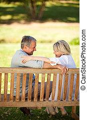 vidám párosít, bírói szék, nyugdíjas, ülés