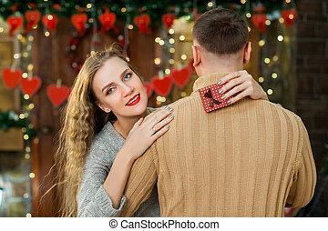 vidám párosít, szerelemben, képben látható, valentin nap