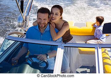 vidám woman, költés, nap, képben látható, jacht, noha, férj, és, fiú