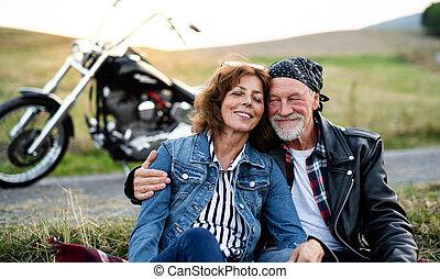 vidéki táj, resting., motorkerékpár, párosít, mozgó...