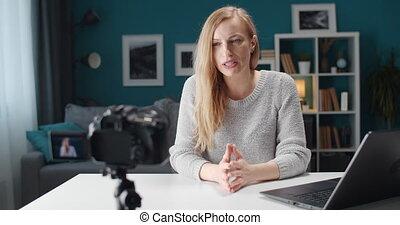 vidéo, quotidiennement, enregistrement, beau, blog, femme, elle, maison